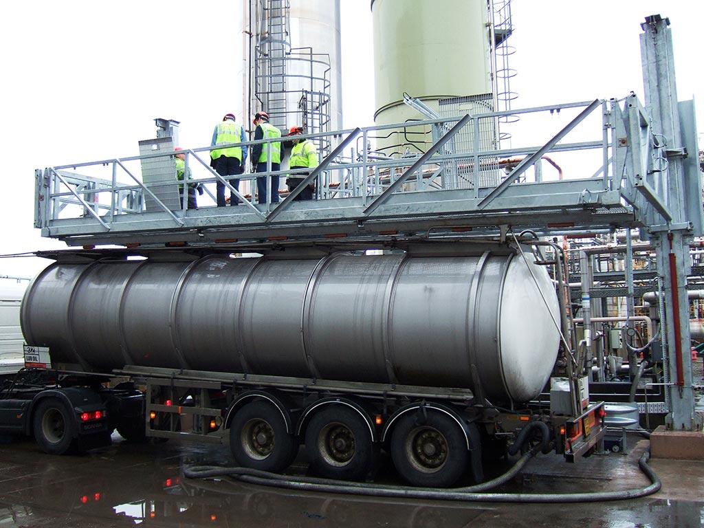 Carbis Loadtec Multi-Modal on Sloped Tanker