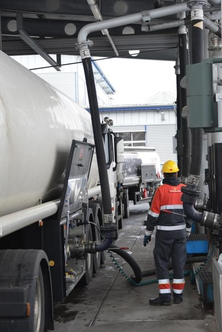 Loadtec Petrol Tanker Loading - Bottom Loading