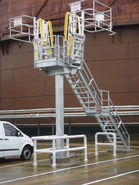 Loadtec Standard Platform - Installed in West London