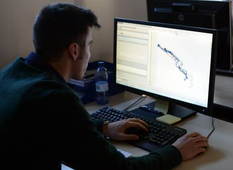 Carbis Loadtec - Designing Loadtec bottom loading standard arm on a computer