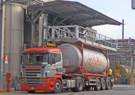 Loadtec Multi Modal Systems - Fall Prevention Systems - Tanker Access - Installed in Mozzanica, Italy